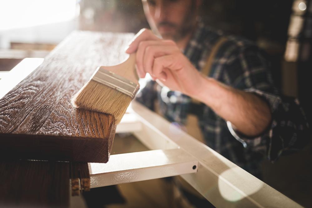 consejos para utilizar barniz en madera